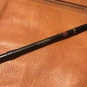 CHANEL Makeup - CHANEL Le Crayon Levres